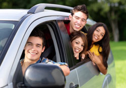 Teens_in_car